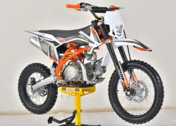 Avantis Hunter 200 Premium и Avantis pitbike. В поисках заброшенной дороги
